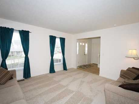 1370 Cairns Ct - Photo 3