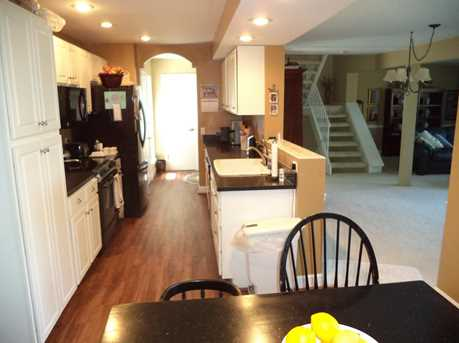 1016 Crown Hill Ct - Photo 11
