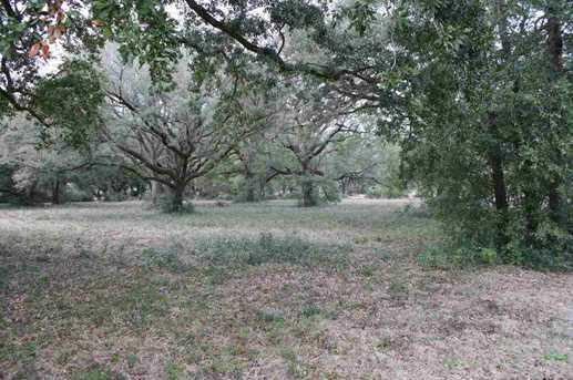 Creekside Ln - Photo 1