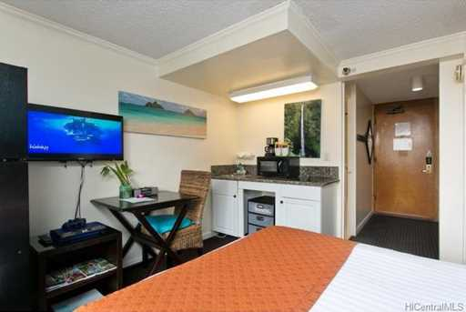 2425 Kuhio Avenue #1205 - Photo 4