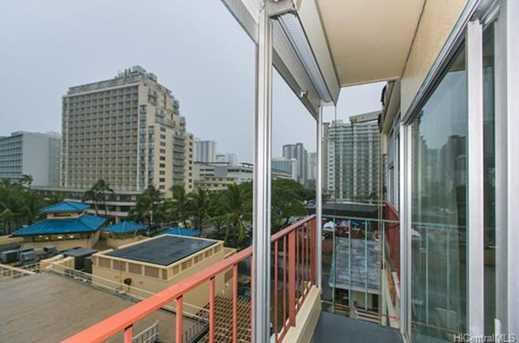 222 Kaiulani Avenue #PH2 - Photo 3