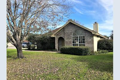 398 Rosewood Dr Mary Esther Fl 32569 Mls 813470 Coldwell Banker