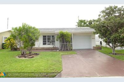 8518 NW 57th Ct - Photo 1
