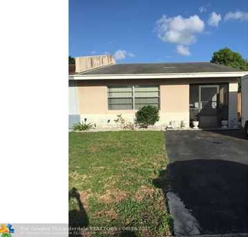 602 SW 61st Ter - Photo 1