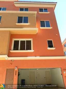 3027  Riomar St, Unit #3027 - Photo 5