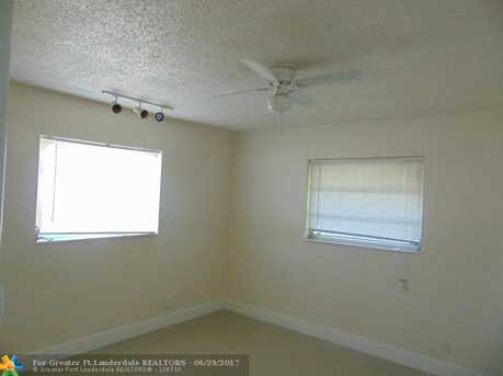 916 NW 26th St - Photo 17