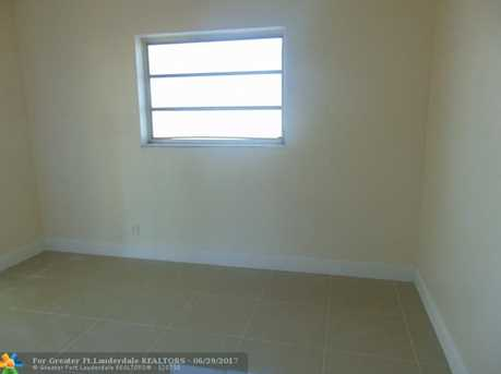 916 NW 26th St - Photo 20