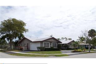 2838 NW 12th Ave - Photo 1