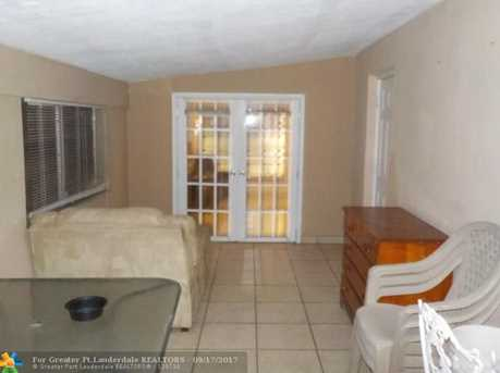 6105 NW 9th St - Photo 11
