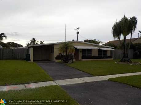 6105 NW 9th St - Photo 1