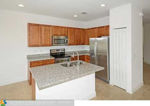 5711 NW 47th Ave - Photo 5