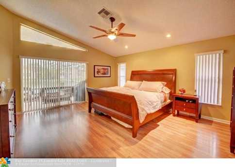 9846 NW 49th Pl - Photo 31