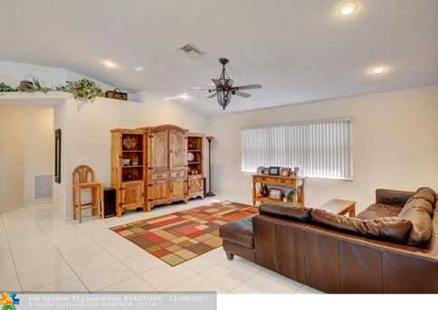9846 NW 49th Pl - Photo 9