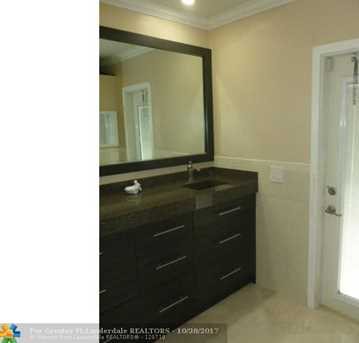 5754 NW 65th Ter - Photo 11