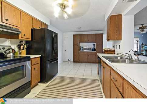 10205 NW 82nd St - Photo 12