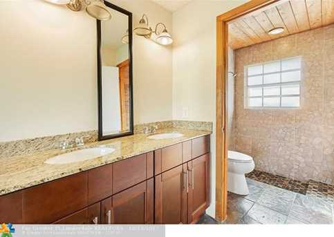 13731  Newport Manor - Photo 13