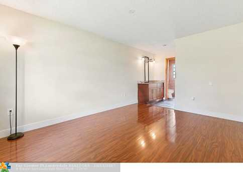13731  Newport Manor - Photo 12