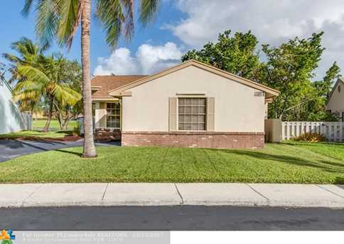 13731  Newport Manor - Photo 3