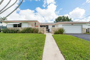 650 NW 43rd Ave - Photo 1