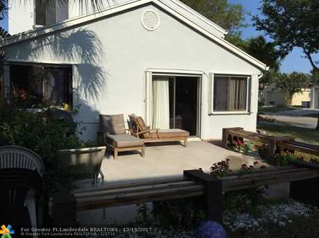 2001 NW 38th Ave - Photo 5