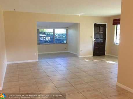 2061 NW 190th Ter - Photo 5
