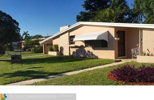 2061 NW 190th Ter - Photo 1