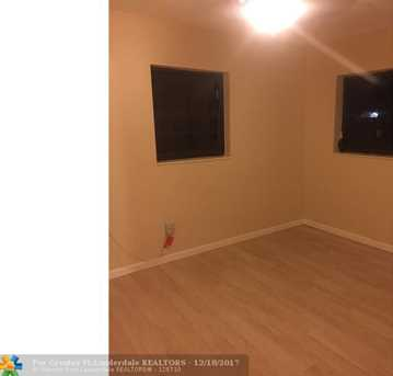 2061 NW 190th Ter - Photo 11