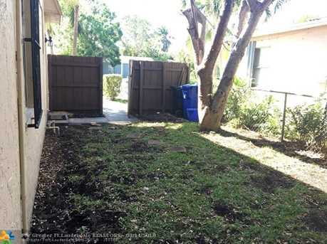 1302 NW 4th Ave - Photo 3