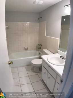 5410  22nd Terrace, Unit #11 - Photo 3
