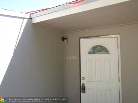 5208 SW 91st Ter - Photo 1