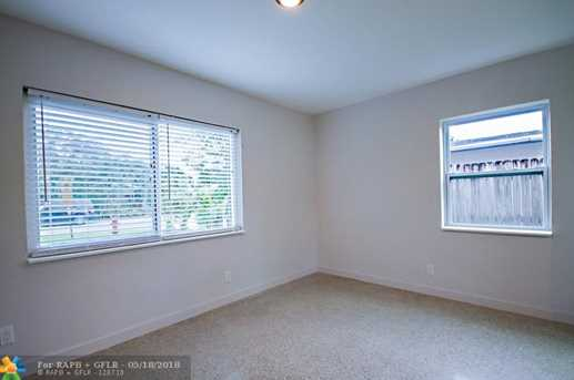 1625 NW 7th Ave - Photo 11