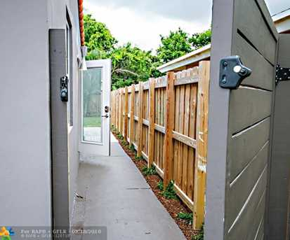1625 NW 7th Ave - Photo 17