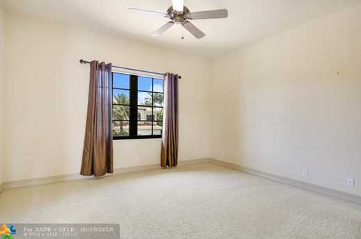 2421 NE 31st Ct - Photo 11