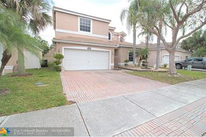 4052 NW 62nd Ct - Photo 1
