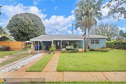 1530 SW 22nd Ave - Photo 1
