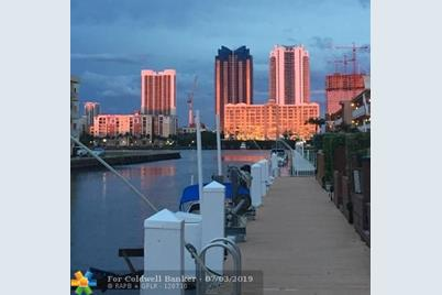 [Address not provided], North Miami Beach, FL 33160