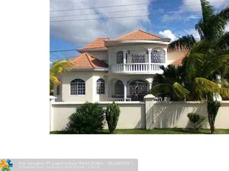 59 W Springfield, Jamaica - Photo 1