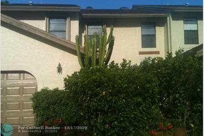 23340 SW 53rd Ave, Unit #D - Photo 1