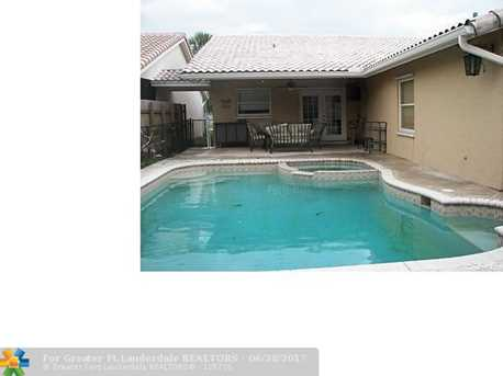 1460 Nw 97Th Ave - Photo 1