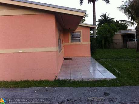 1637 NW 11th Ave - Photo 1