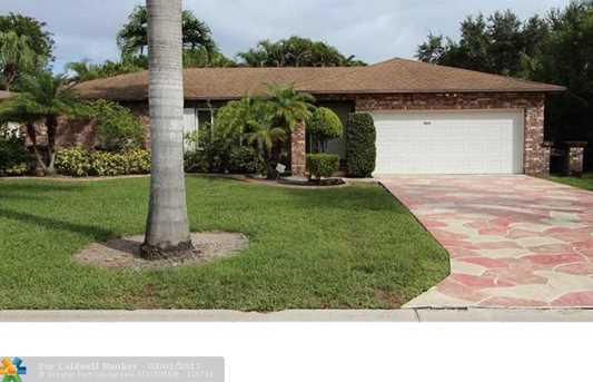 11021 NW 21st St - Photo 1