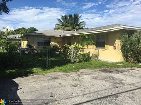 1461 NW 19th St - Photo 1