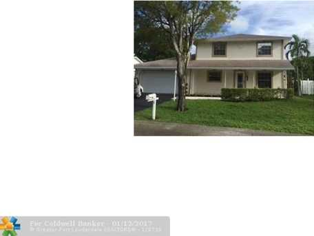7901 NW 3rd St - Photo 1