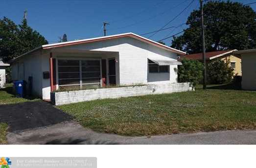 6853 NW 26th Ct - Photo 1