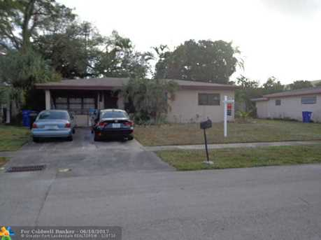 1800 SW 22nd Ave - Photo 1