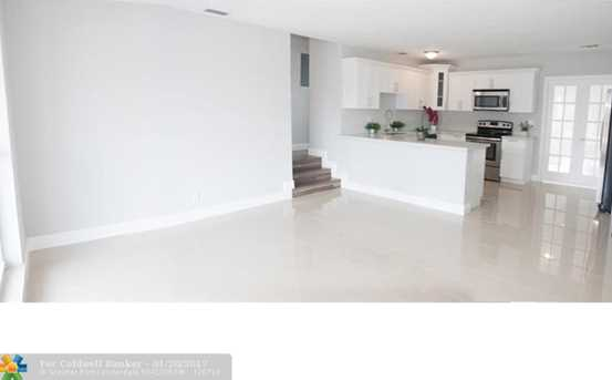 2201 SW 43rd Ave - Photo 1