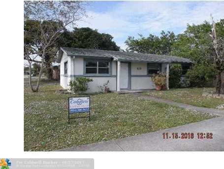 415 SW 71st Ave - Photo 1