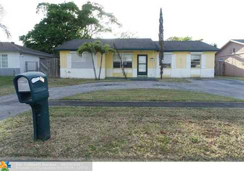 611 SW 79th Ave - Photo 1