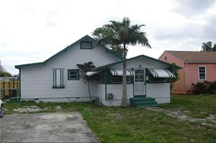 329 NW 7th Ave - Photo 1