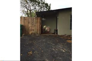 3900 SW 59th Ave - Photo 1